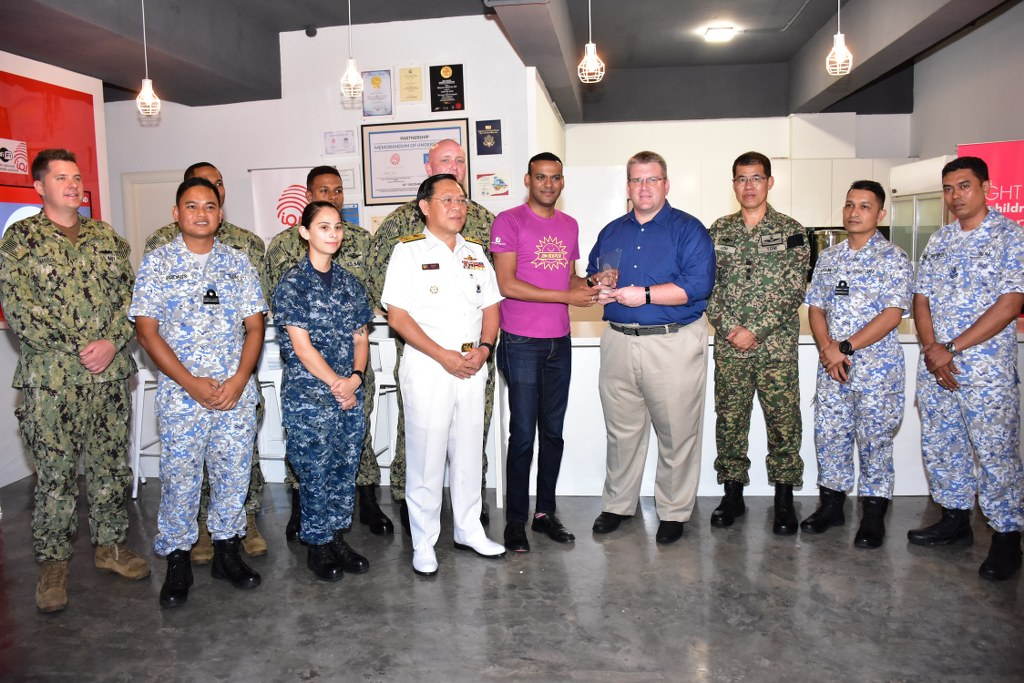 UNITED STATES NAVY VISITS KL'S UNDERPRIVILEGED KIDS